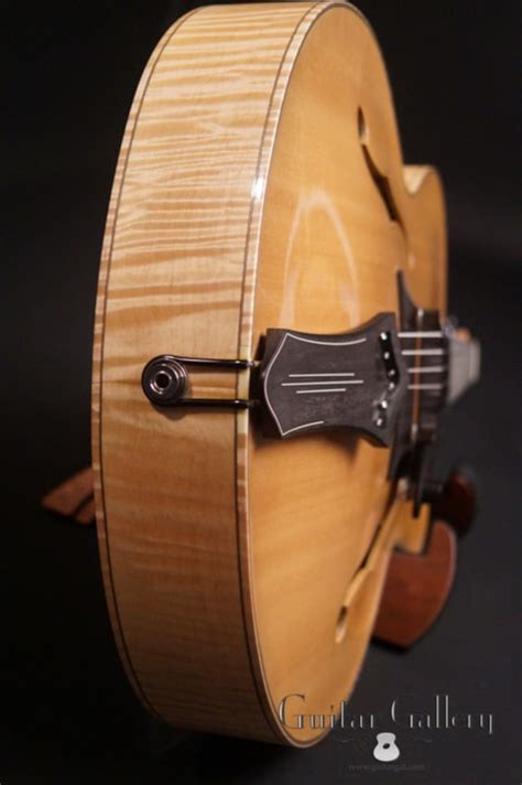 2012 Galloup G-9CE Natural Blonde > Guitars Archtop