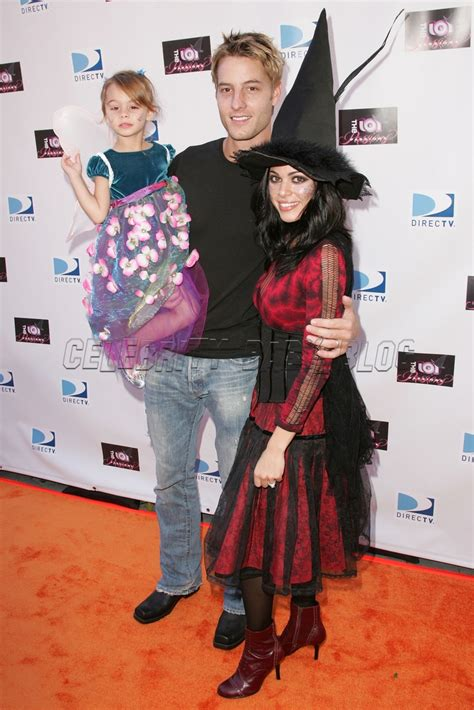 Hartley family arrives at Passions Halloween party – Moms
