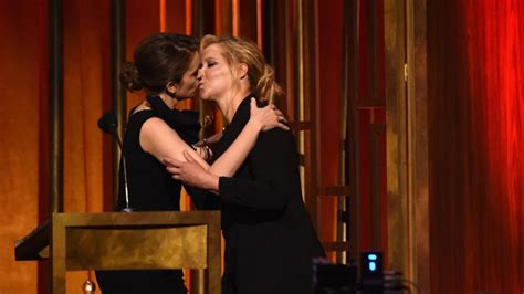 Tina Fey Kisses Amy Schumer After Saying How We All Feel