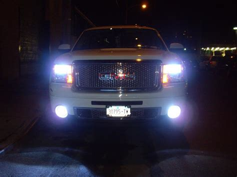 Upgrade Now To Car HID Xenon Headlight! (high Intensity