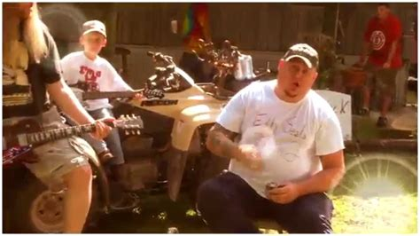 Redneck In The White House - Moccasin Creek (Official